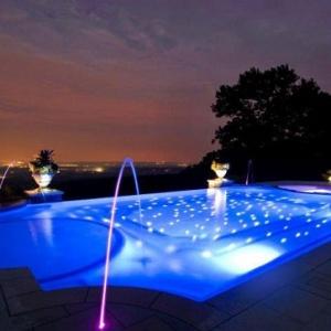 Đèn LED âm nước đài phun